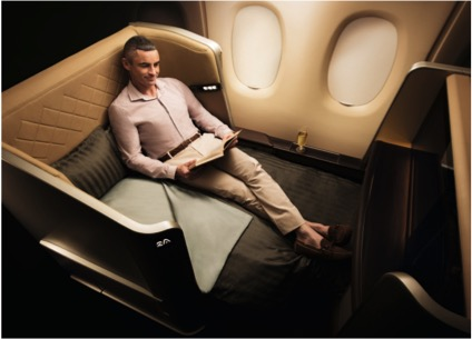 Mann in First Class von Singapore Airlines