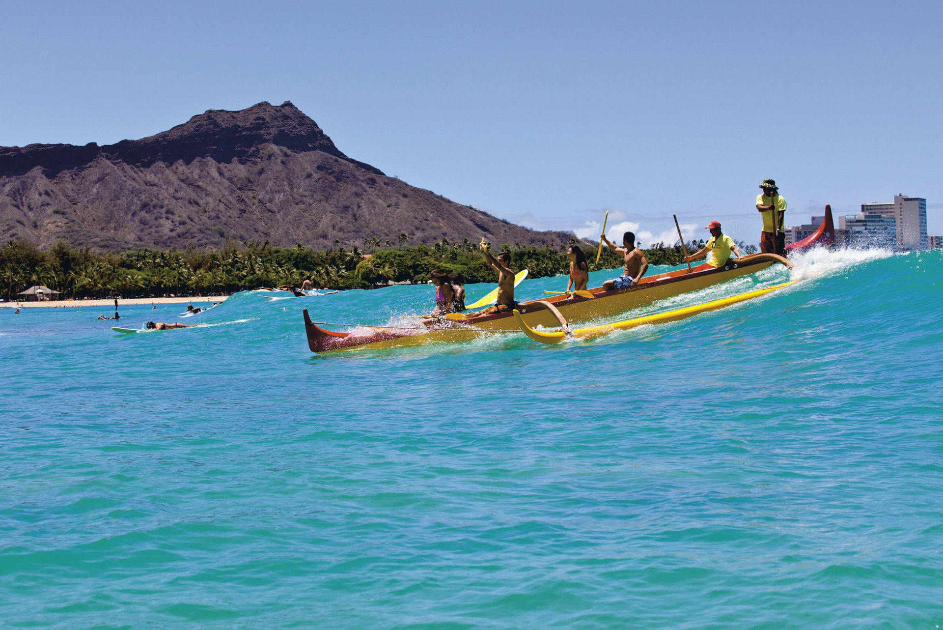 Traditionelle Outrigger-Boote auf Hawaii
