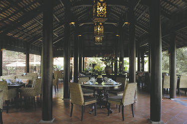 Ho Tram Beach Resort, Restaurant