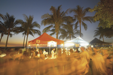 Mindil Beach Night Market ©Peter Eve