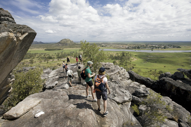 Arnhem Land Injalak Hill ©Peter Eve
