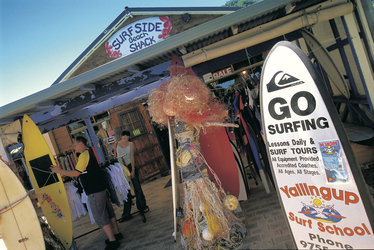 Shoppers at Surfside Beach Shack ©Tourism Western Australia