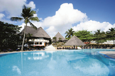 Poollandschaft Karafuu Beach Resort & Spa