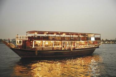 Dhow Cruise auf dem Dubai Creek