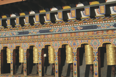 Gebetsmühlen im Gangtey Kloster