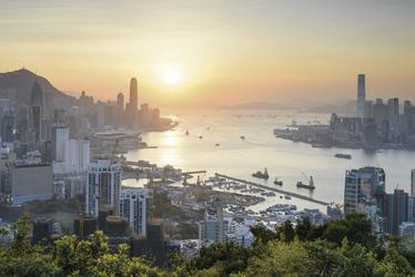 Hong Kong´s Hafen im Sonnenuntergang