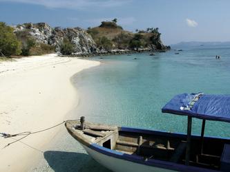 Strand auf Komodo Island