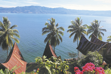 Häuser der Batak Völker am Toba See, ©Kelana DMC, Indonesien