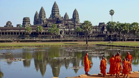 Mönche an der Tempelanlage Angkor Wat bei Siem Reap
