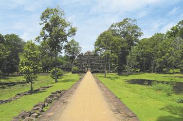 Weg zum Angkor Tempel in Kambodscha