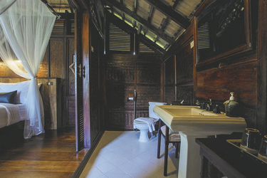 Badezimmer in der Luang Say Lodge