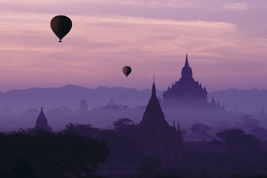 Heißluftballons in Bagan, ©Josh Bornstein PC09 - June