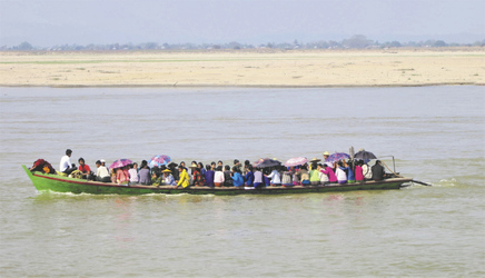 Boot zur Rush Hour - © Pandaw River Cruises
