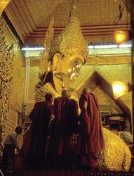Goetterstatue in Myanmar