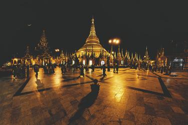 Shwedagon Pagode bei Nacht, ©Greta Tuckute