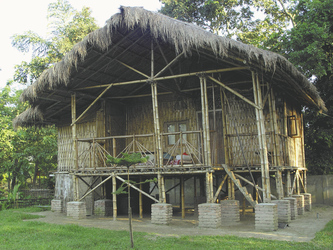 Stelzenhaus auf Majuli Island , ©Local Roots