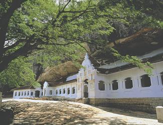 Eingang zum Höhlentempel von Dambulla
