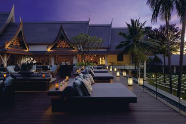 Bar und Terrasse