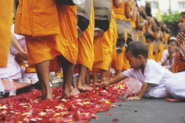 Mönche bei einer Zeremonie , ©Asian Trails