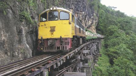 Zugfahrt nach Kanchanaburi