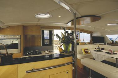 Küchenbereich an Bord der Eleuthera 60