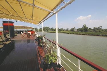 Sonnendeck an Bord der RV Mekong Pandaw