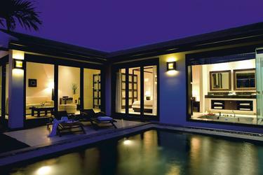 Blick auf die Pool-Villa
