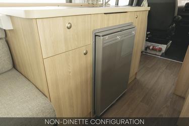 Küchenblock mit Kühlschrank
