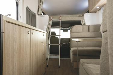 Leiter zum Bett über der Fahrerkabine