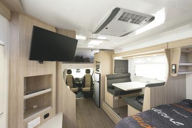 TV und Klimaanlage an Bord