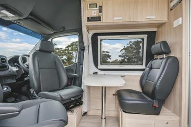 Drehbare Sitze im Fahrerhaus