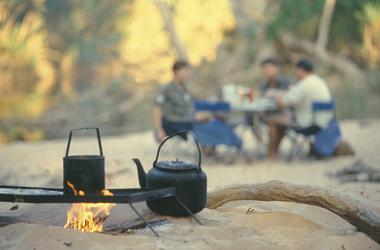 Billy Tea auf dem Lagerfeuer
