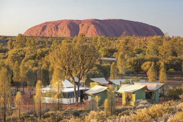 Camp am Ayers Rock ©Steven Pearce