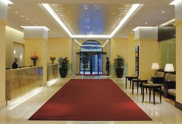 Lobby im Radisson Blu Plaza Hotel