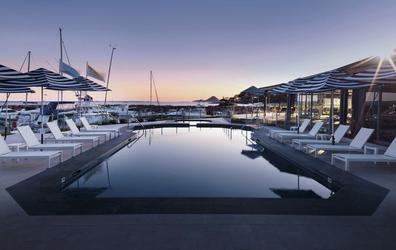 Pool in der Abendsonne