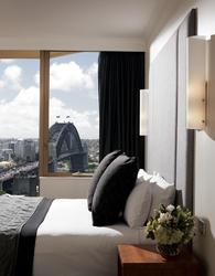 Schlafzimmer mit Hafenblick