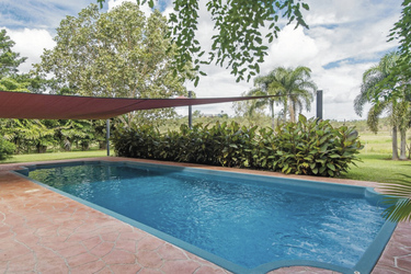 Der Pool für die Gäste
