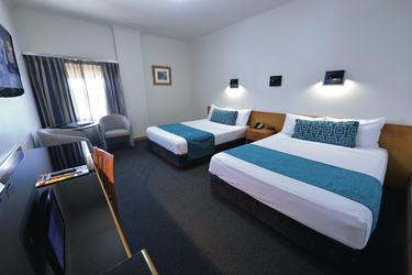 Standardzimmer mit zwei Doppelbetten
