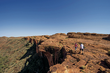 Wanderer am Kings Canyon, ©Tourism NT