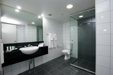 Moderne Bäder mit Dusche