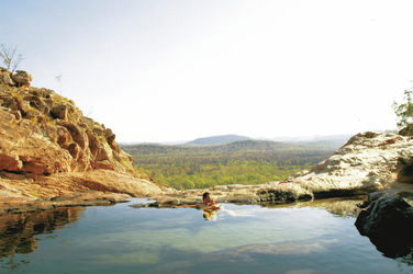 Felspool oberhalb des Gunlom Wasserfalls