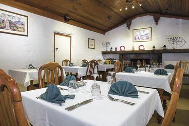 Namatjira Gallery Restaurant, ©Shaana McNaught   2015