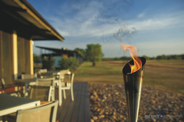 Outdoor Deck der Lodge, ©MIKE ANNESE PHOTOGRAPHY