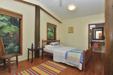 Eines der beiden Gästezimmer