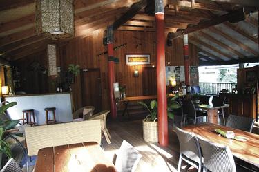 Restaurant und Bar im Haupthaus