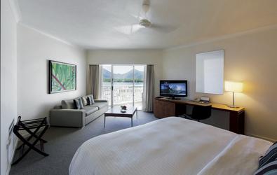 Deluxe Marina View-Zimmer