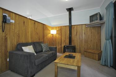 Wohnbereich der Cedar Lodge