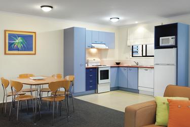 Küche und Essbereich im Apartment