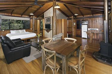 Studio Tree House (Wohnbeispiel)
