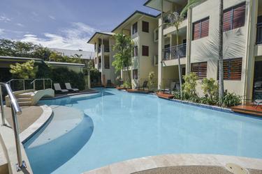 Superior Studios und Apartments im EG mit Pool-Deck